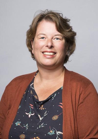 Monique van Selow